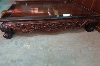 Sập gỗ xưa cũ