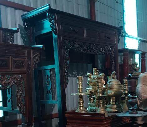 Trang thờ gỗ muồng đen