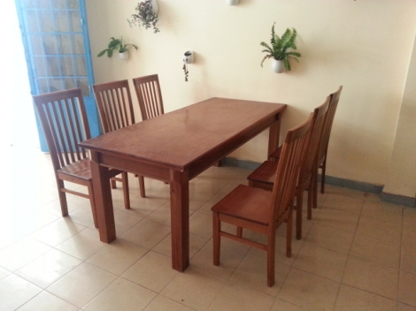 bàn ghế quán ăn