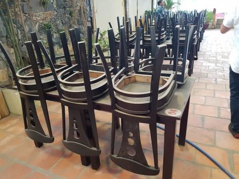 bàn ghế gỗ nhà hàng