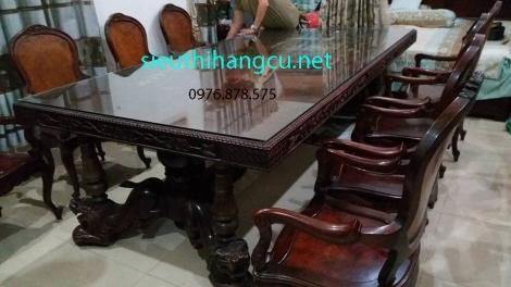 bộ bàn ăn khổng lồ