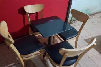 bàn ghế cà phê cũ