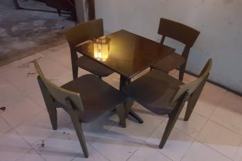 bàn ghế cà phê mặt đá