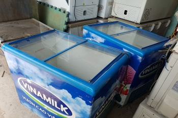 tủ kem cũ